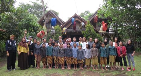 19 Education Sector Players Visit Garut With Peacegen And Bakti Barito Asia Philanthropy Circle